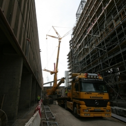 350 ton and 120 ton crane working in Drogheda