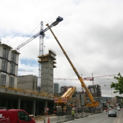 100 ton grove and 80 ton demag working in Dublin