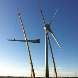 Wind Turbine Blade Assembly & Construction